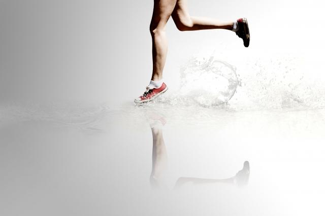 バドミントンが上達する6つの厳選トレーニングをご紹介。