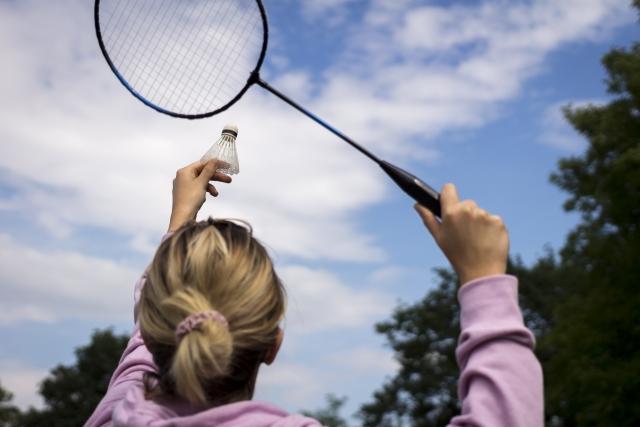 バドミントンクリアの練習方法と、クリアが飛ばない時の4つの注意点。