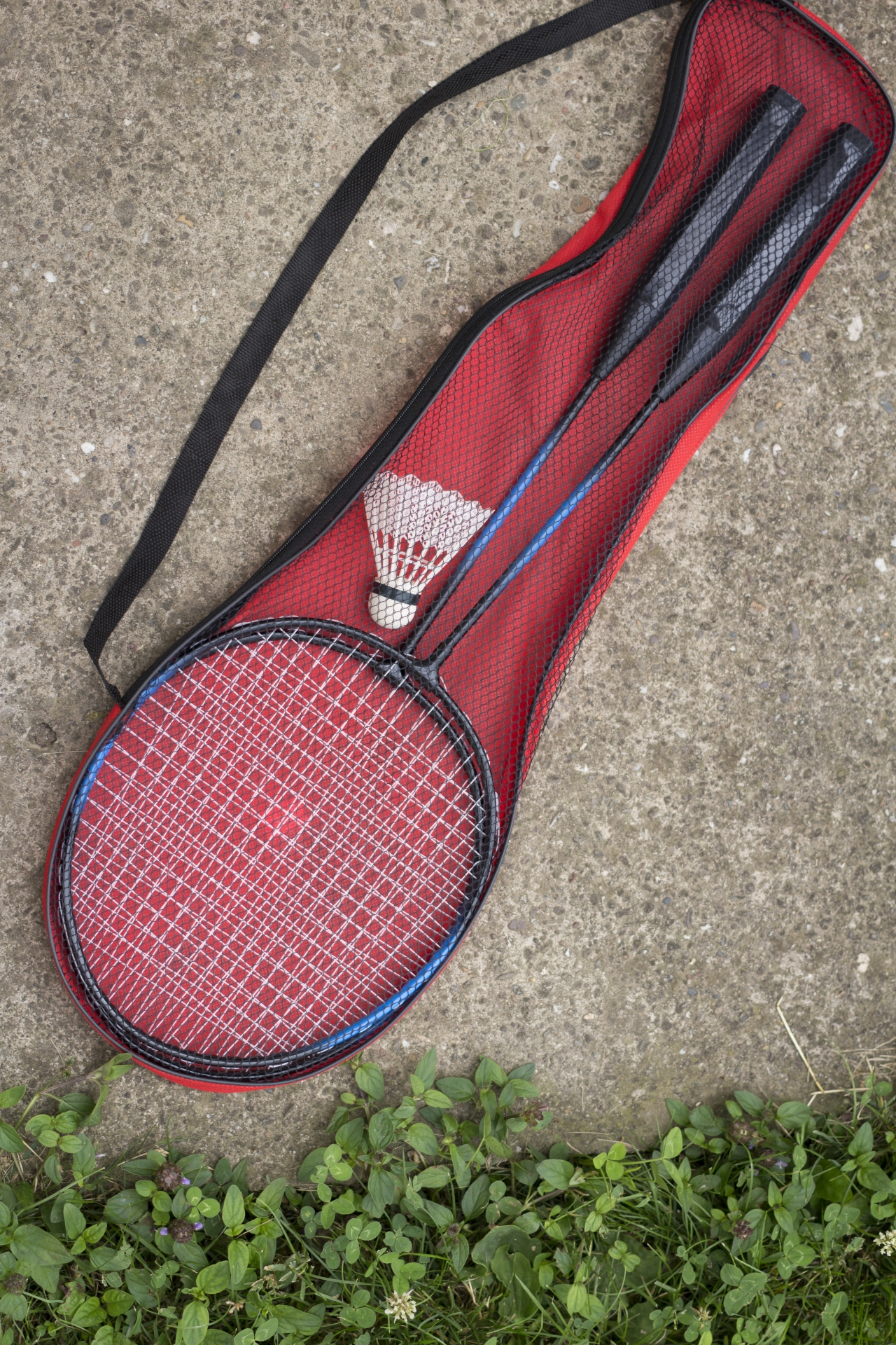 バドミントンのラケットバックの種類とおすすめの選び方をご紹介。